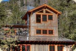 Modern cabin built in mazama